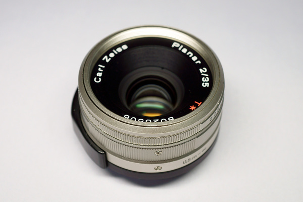 Carl Zeiss Planar T* 35mm F2 G