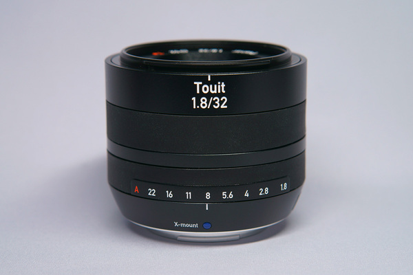 Carl Zeiss Touit 32mm F1.8
