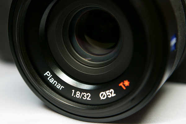 Touit 32mm F1.8