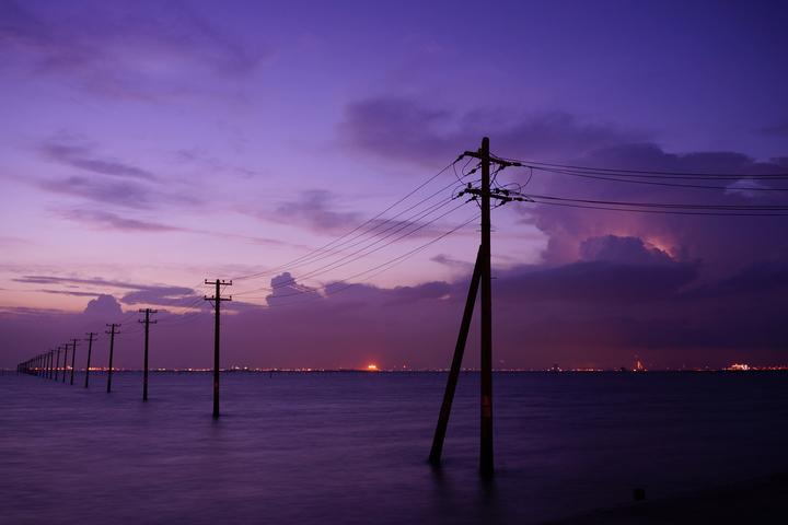 海へつづく柱