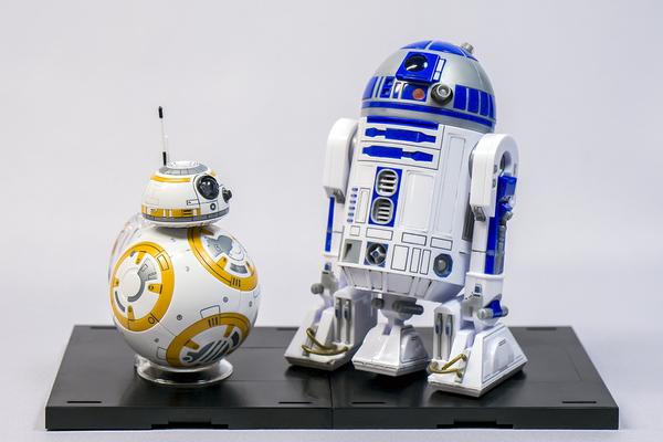1/12 BB-8 & R2-D2